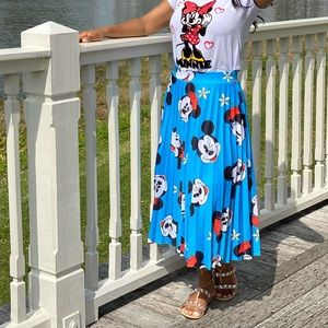 Mickey Mouse mid skirt, size 0-8 regular